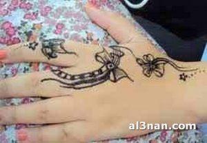 -احلا-رسم-حنه-على-اليد-للعروس_00063-300x208 صور احلا رسم حنة على اليد للعروس